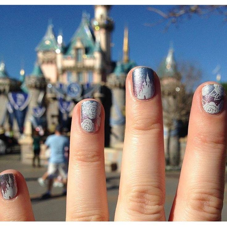 Show us your Jamberry! Disney Jamberry nail wraps, WOW! ‪#‎disney‬ ‪#‎jamberry‬…