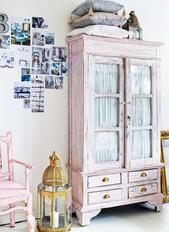 Keltainen talo rannalla: Romanttista, valkoista ja rustiikkista