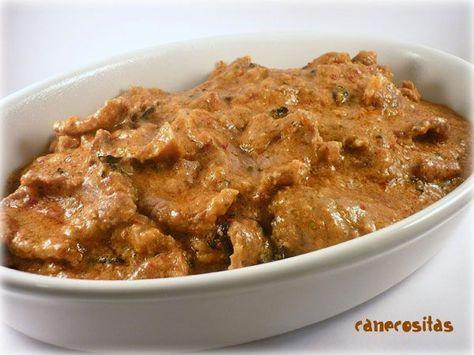 Este es un plato tradicional en la cocina catalana. Viene a ser como un estofado de carne, en el que... Leer más »