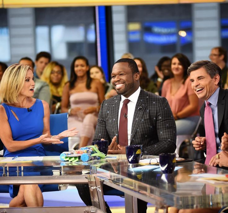 All laughs with the one and only @50cent joining us at the desk! Catch him on @50centralbet and @power_starz!