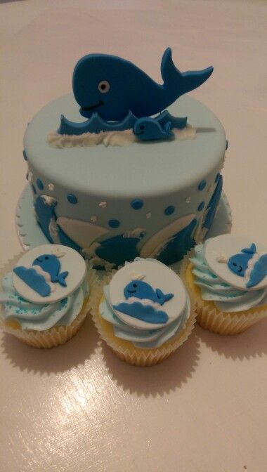 Whale Baby Shower cupcakes