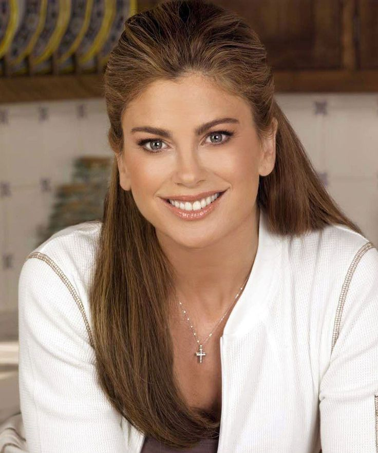 Kathy Ireland Triangle Jaw Line Significantly Wider