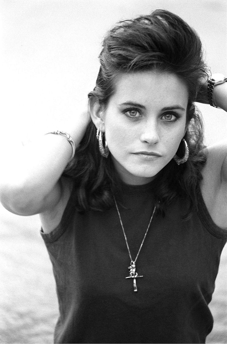 The beautiful Courtney Cox in 1988. Photograph by Karen Hardy.