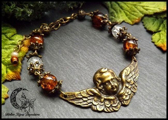 Bracelet Victorien grand connecteur central Ange en laiton bronze et perles de verres ° La voie des Anges ° *5* : Bracelet par atelier-bijoux-legendaires