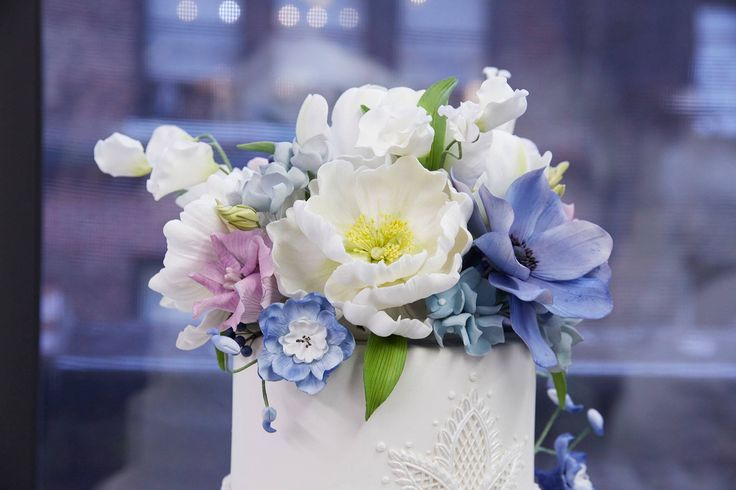 By Ron Ben Israel #wedding #cake