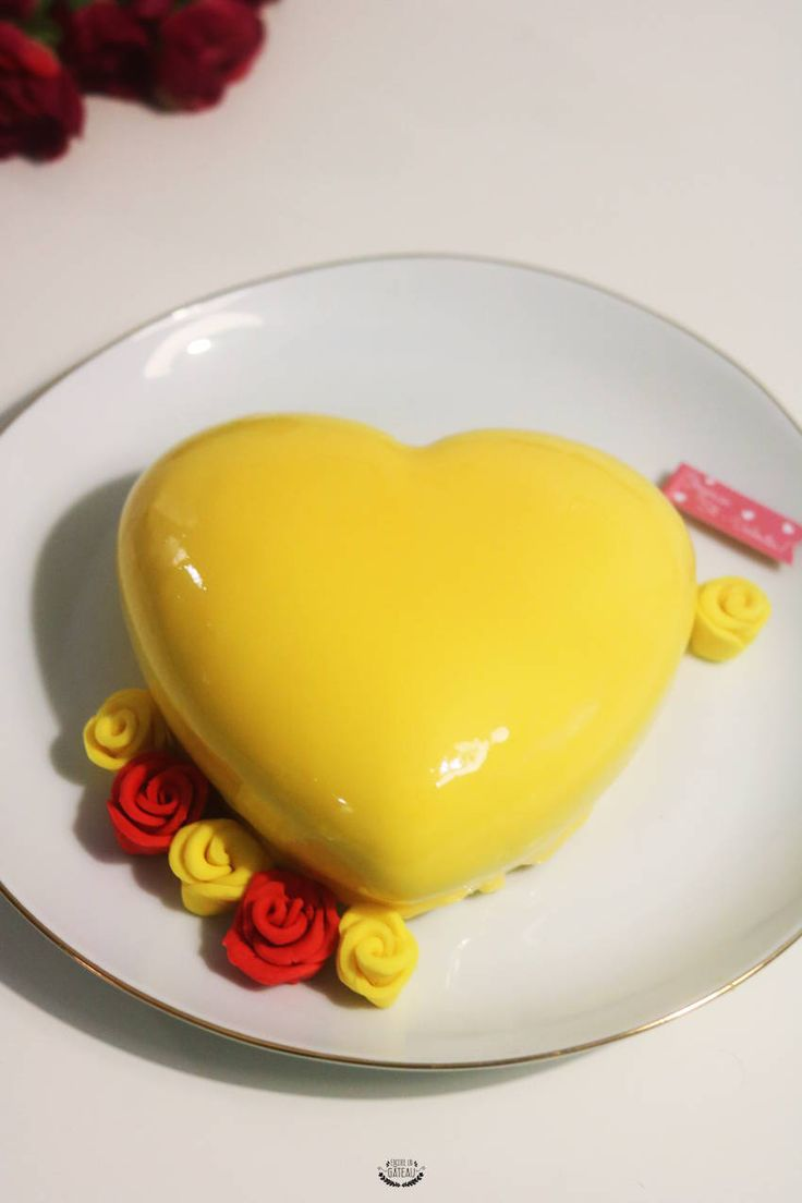 Yellow de Christophe Felder - Entremets mousse citron insert fraise