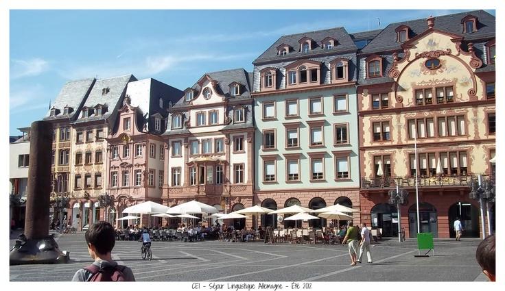 Place du marché de la ville de Mayence. Allemagne - Été 2012. #sejour #linguistique #cei #allemagne  #mayence