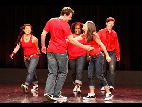 Glee - Don't Stop Believin' (Full Performance)