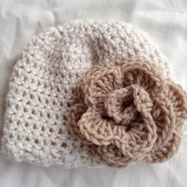 Crocheted baby hat ivory/tan rose
