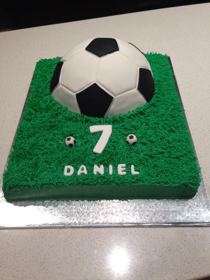 Cake Decorating Football Theme : Soccer themed cake Tamara and Tanja s cakes Pinterest ...