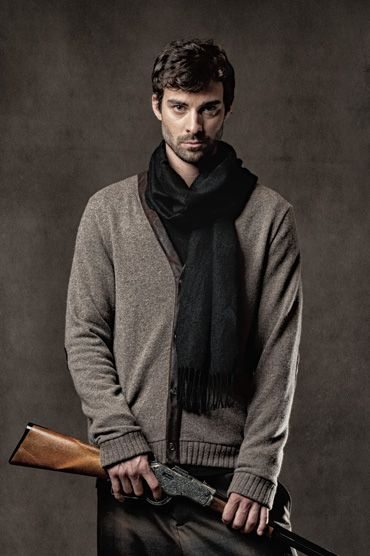Cambridge Cardi - Button-up woolen cardigan with leather trimming and elbow patches. #fashion #mens #cardi #cardigan