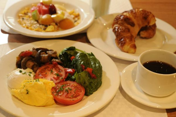 Buffet breakfast at The Old Woolstore Apartment Hotel in #Hobart #Tasmania. Article and photo for think-tasmania.com