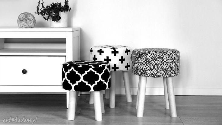 • niesztampowe dom - stołek fjerne m czarne krzyżyki