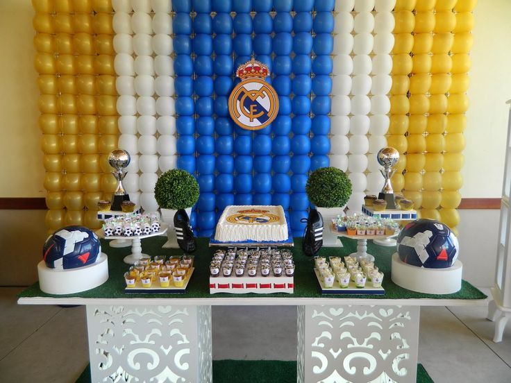 17 best ideas about real madrid on pinterest real madrid players ronaldo and real madrid - Real madrid decorations ...