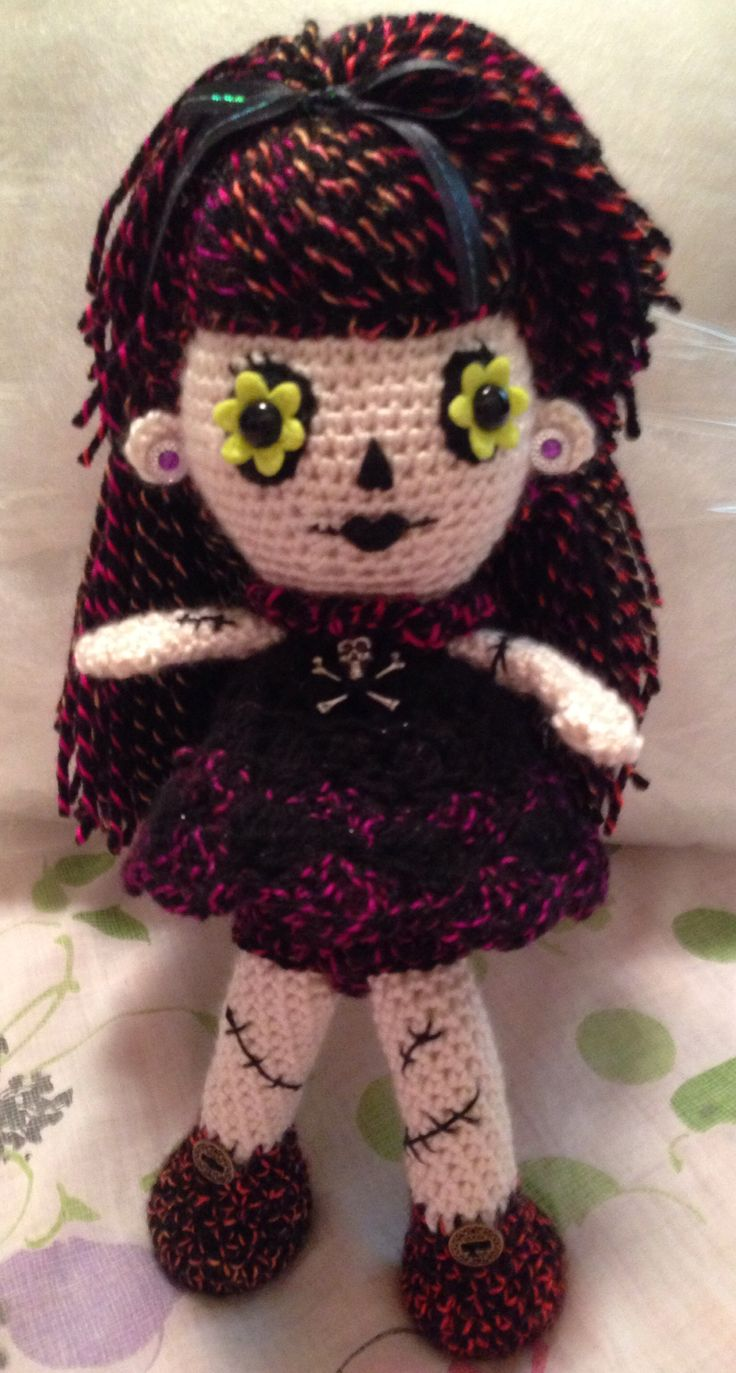 72 best all goth images on pinterest comic book crafts and new goth doll bankloansurffo Images