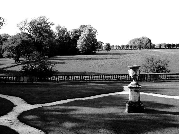 il giardino barocco di una villa veneta che affaccia sulla campagna