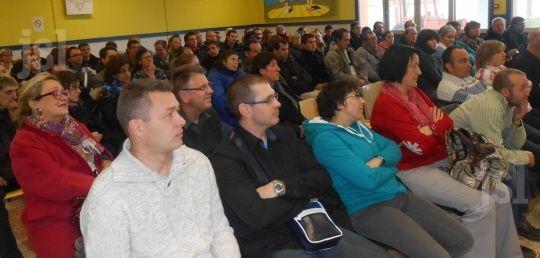 15/12/13. SAONE ET LOIRE. Une centaine de personnes a assisté à la remise des diplômes.   Photos P. M. (CLP). LIRE http://www.lejsl.com/edition-de-montceau-les-mines/2013/12/15/48-ouvriers-des-esat-de-saone-et-loire-a-l-honneur