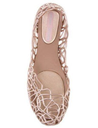 I'm not a big sucker for the craze of jelly shoes this summer (2014), however these don't look like jelly shoes however I love the cut out effect! - brittanylanex