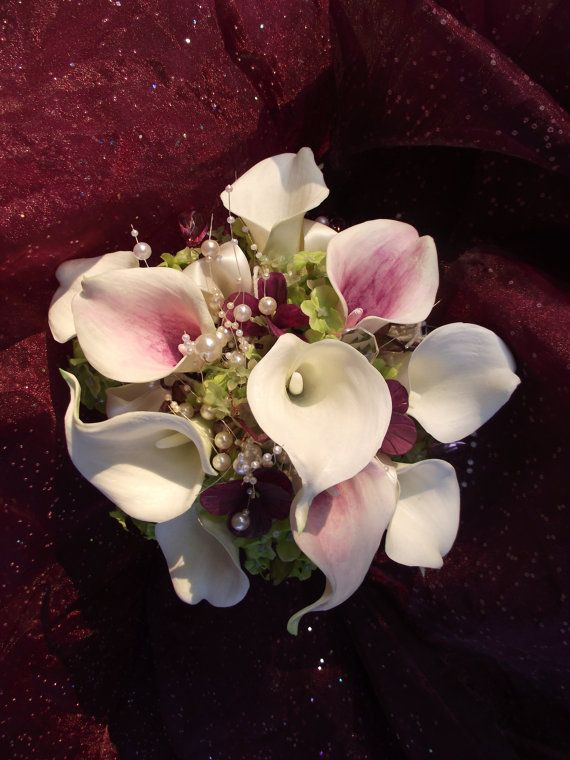 Plum, eggplant, purple, aubergine, wedding bouquet, brooch alternative, calla lilies, purple bride bouquet Etsy $130
