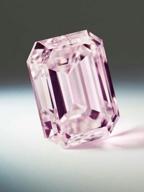 The Argyle Rosette, from the Argyle Pink Diamonds Tender 2014, is a 2.17ct emerald cut Purple-Pink diamond. Its name is inspired by the Roseate Turn, a European bird that is becoming increasingly rare.#BeverlyHillsJewelers
