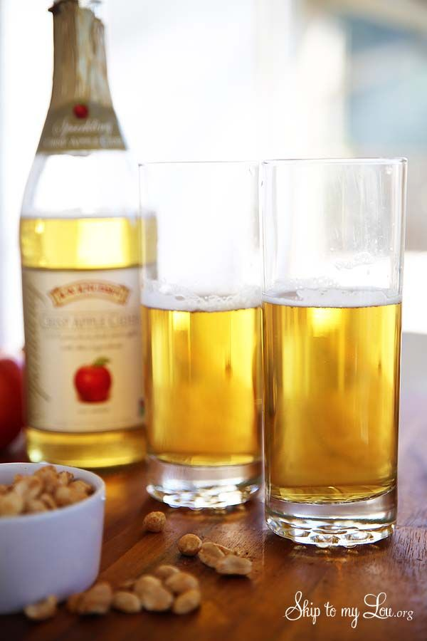 How to make an Apple Cider Shandy fall cocktail. A delicious signature drink for Thanksgiving.