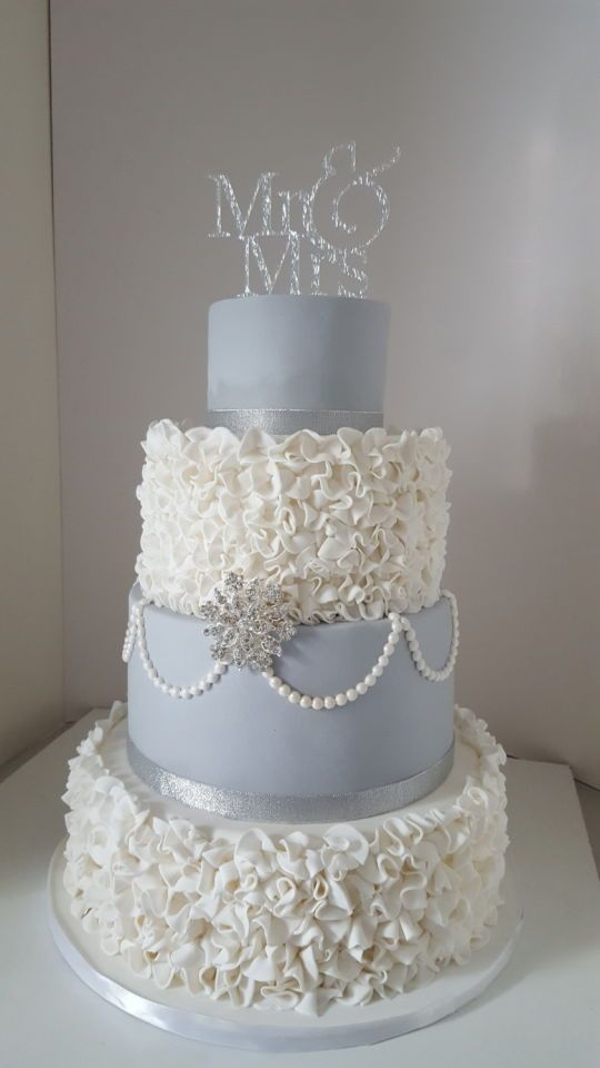 ruffled wedding cakes 980 best images about ruffle cakes on 19458