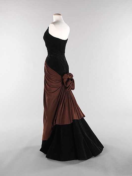 """Bustle"" Charles James (American, born Great Britain, 1906–1978) Date: 1947 Culture: American Medium: silk Dimensions: Length at CB: 53 in. (134.6 cm)"