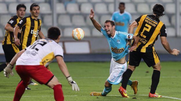 Sporting Cristal quedó eliminado de la Copa Libertadores al empatar con Guaraní