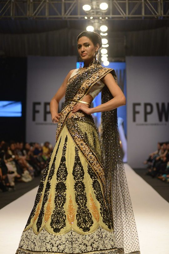 Nomi Ansari lemon lengha. Fashion Pakistan Week 2014