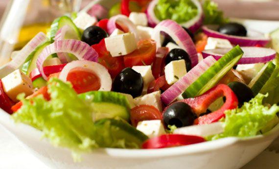 Insalata greca, la ricetta originale dell'insalata dell'estate! | Cambio cuoco