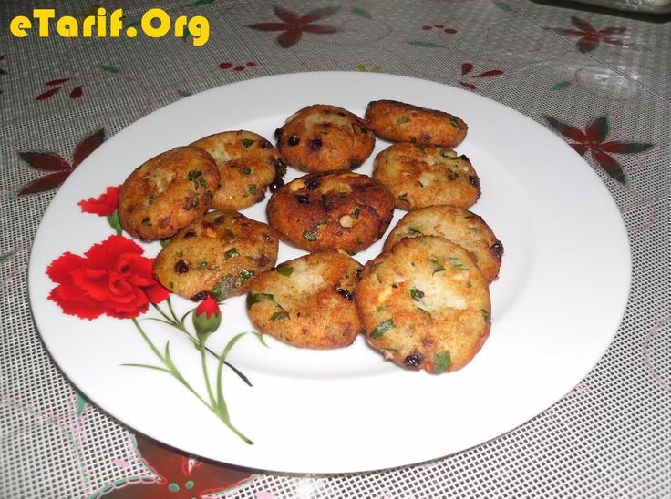 Palamut ile yapılmış balık köftesi, hem sağlıklı hemde lezzetli bir yemek. - http://www.etarif.org/2013/08/Balik-Koftesi-Tarifi.html