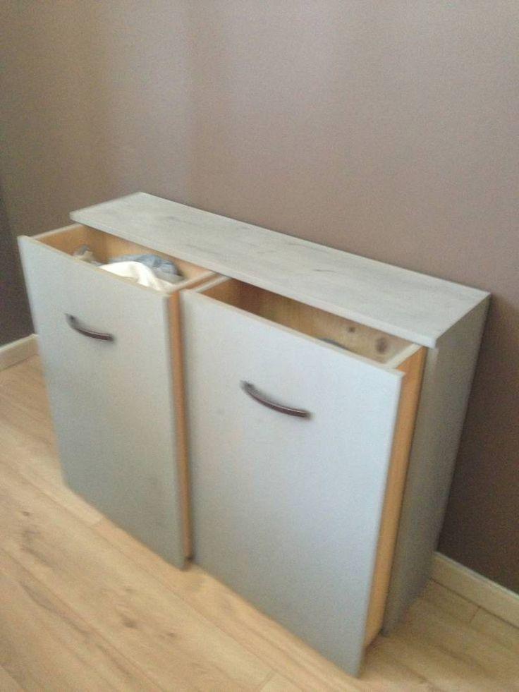 Création d'un meuble Télé/linge sale blanc et couleur