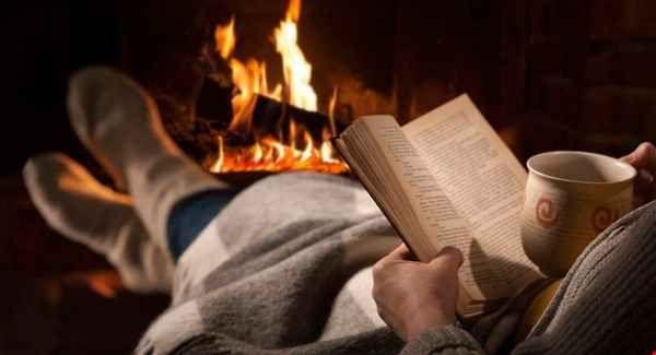 Idee regalo per Natale: tre libri per chi ama scrivere Scrivere bene è anche leggere bene. In questo post vi consiglio dei libri che trovo straordinari per il valore delle parole e delle tecniche narrative. Non sono manuali, ma opere che possono essere i #libri #natale #regali #storytelling