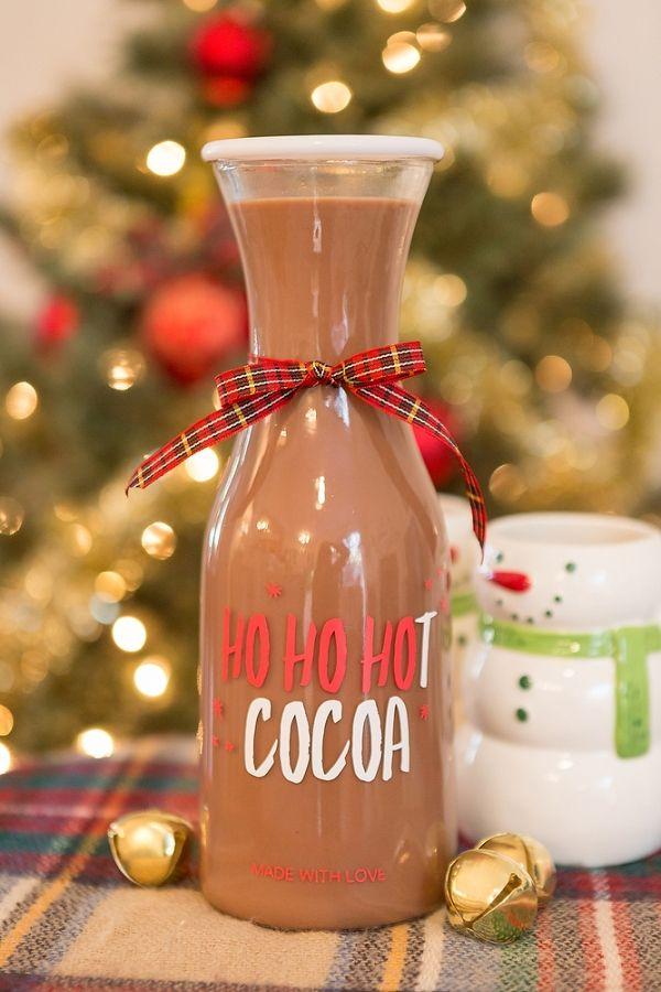 DIY Hot Cocoa Bottle | Gillian Ellis Photography on @acoastalbride via @aislesociety