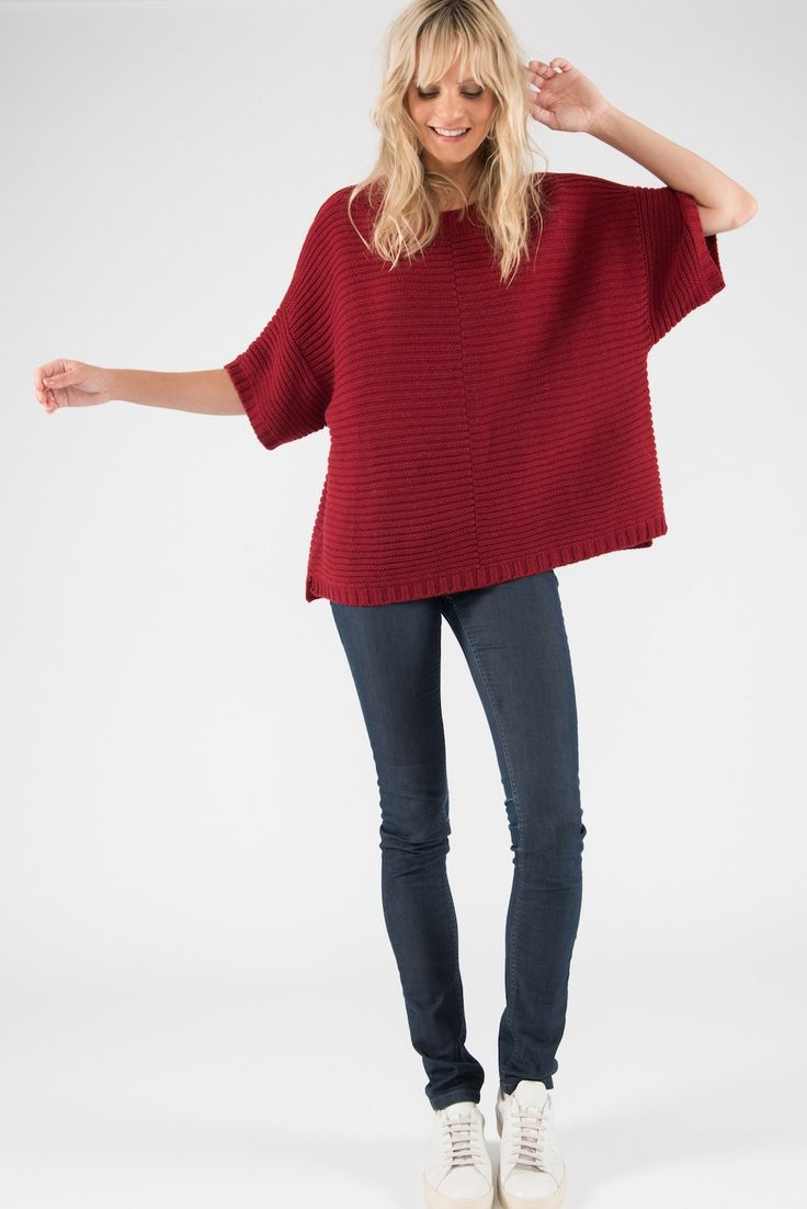 Poncho Jumper – Cashmere Merino CRADLE TO CRADLE® yarn, Red
