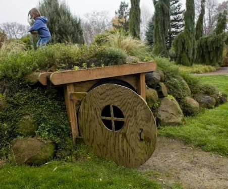 hobbit play house in children's garden in Oregon.. I wish I had one when I was a kid!!- thank god for Pinterest or I may have never found out that this garden is 45 miles from me. I think it's time for a little trip! :D
