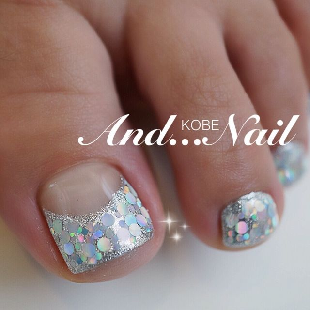 silver glitter toe nail art