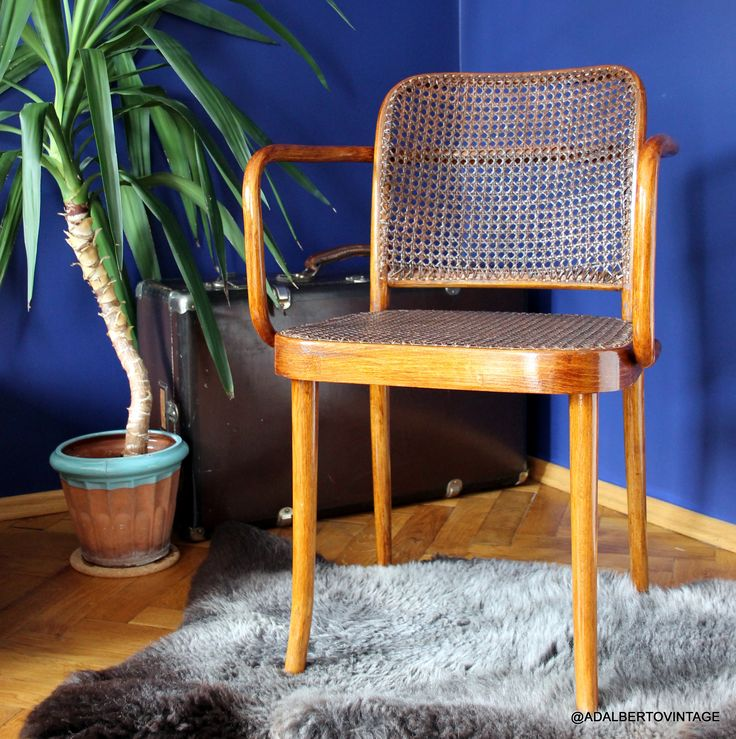 Prague Chair 811 by Josef Hoffman for THONET #thonet