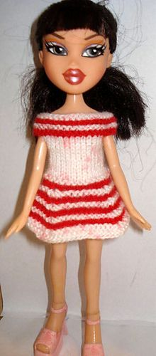 Ravelry: Bratz Dress free knitting pattern... link leads to tonz of free Bratz knitting pattern. They are the closest match for Monster High (need to lenghten skirts a little, though,