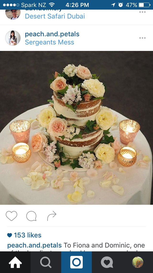 Naked 2 tiers + floral