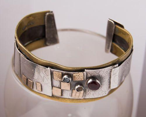 1980s-LYNDA-THORP-Modernist-Brutalist-Sterling-Silver-Mixed-Metals-Bracelet-Gems
