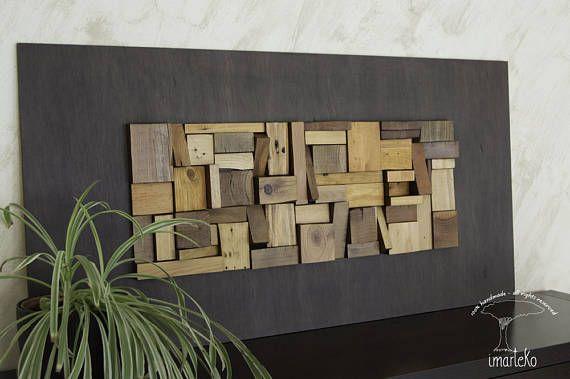 Hier is een werk dat sensaties comfortabel, rustig en warm doorgeeft. Dit abstract werk wordt gemaakt met stukken van hout en andere natuurlijke bossen, gerecycleerd, met afwerking gebaseerde ecologische vernis van eiken, donker eiken, teak en hazelnoot, die warmte en een moderne touch aan het podium waar het wordt blootgesteld. De achtergrond is geschilderd in Walnut Toon. Dit moderne en elegante werk zal een prominente plaats innemen in een zeer persoonlijke ruimte van uw huis en wakker…