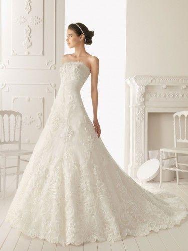 A-ligne sans bretelles de mariage robe en dentelle