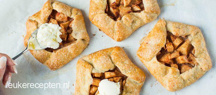 Frans gebak met een vulling van appel, lekker als toetje met ijs of slagroom