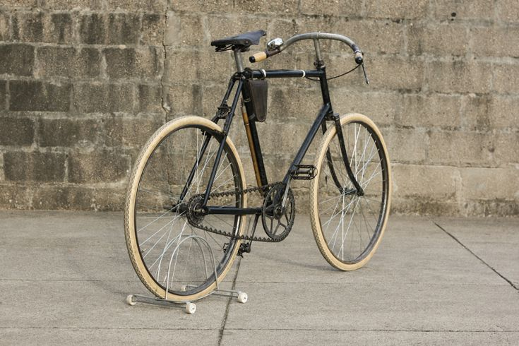 1639 best commuter bikes images on pinterest antique bicycles bike stuff and vintage bikes. Black Bedroom Furniture Sets. Home Design Ideas