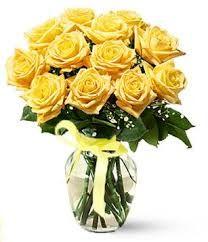 Картинки по запросу букет из желтых роз