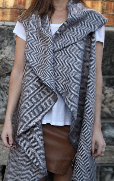 PINK GREY  fabulous capes from ARI PALOMA #capes #wintercapes #sleevelesscapes #coverup #flowy #fashion