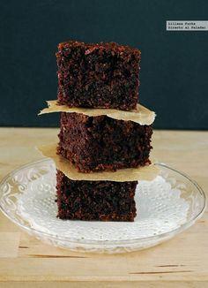 Receta vegana de brownie de calabacín. Con fotos paso a paso, consejos y sugerencias de degustación. Recetas de postres. Brownies y chocolate....