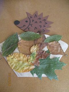 ein kleines Fingerspiel von einem Igel der sich im Blätterhaufen sich versteckt. Heute habe ich das Fingerspiel mal so den Kindern g...