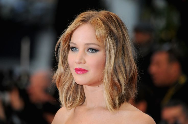 Jennifer Lawerence- I loved her hair when it was this length! It almost makes me want to cut mine...